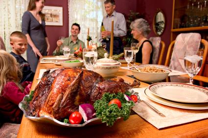 Thanksgiving-Turkey-Dinner-Family-3